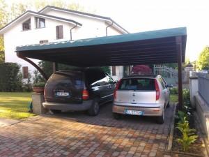 Cover auto in legno di abete lamellare con arco frontale copertura in bambù e telo in   pvc